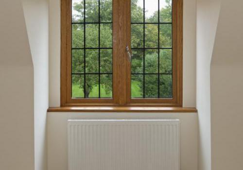 Fenêtre en bois vue de l'intérieur